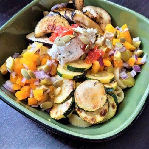 Vegetarian pasta poke bowl style