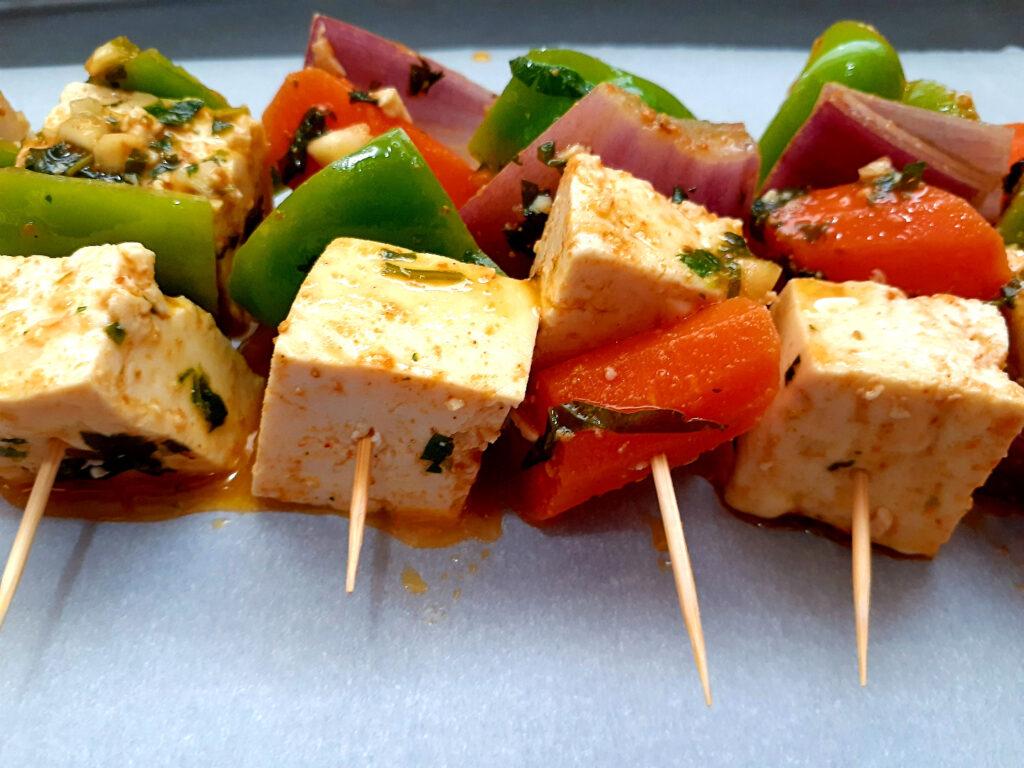 Four vegan marinated mini skewers